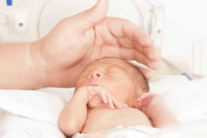为什么婴儿睡觉会突然哭宝宝睡觉咳嗽的原因