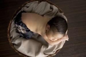 50天宝宝晚上睡觉哭闹的原因宝宝睡觉哭闹怎么办