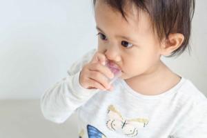 宝宝发热可以吃鸡蛋吗婴儿正常体温是多少